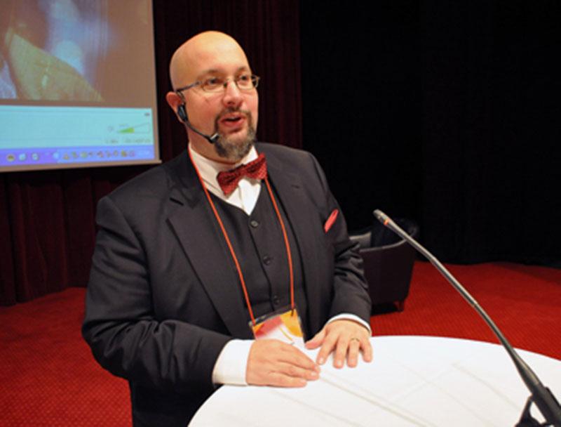 Patrik Oksanen, politisk redaktör på Hudiksvalls tidning är en av de som drabbats av näthatarna.